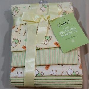 NIP 4 Pack Neutral Receiving Blankets